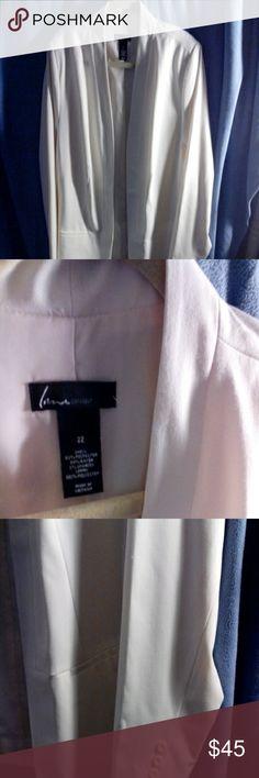 Beautiful lined off-white blazer plus size 22 Plus size 22 lane bryant off-white blazer, lined , very nice Lane Bryant Jackets & Coats Blazers