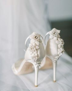 Couture Shoes, Bride Accessories, Wedding Heels, Hot Shoes, Bridal Shoes, Designer Shoes, Classy, Glamour, Pearls
