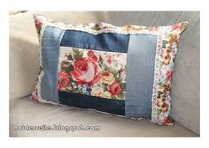 Diy Old Jeans, Recycle Jeans, Diy Pillows, Throw Pillows, Cushion Inspiration, Denim Crafts, Sewing Baskets, Handmade Art, Bed Sheets