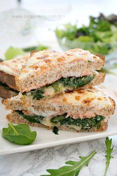 Croque norvégien - Smoked salmon sandwich | From Zonzolando.com