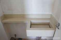 Bancada do banheiro com cuba esculpida