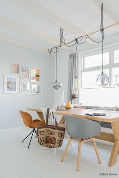 Interieur home, eettafel, about a chair, greywall, photocell ©BintiHome Dining Room Inspiration, Interior Inspiration, Style At Home, Home Living Room, Living Room Decor, Rooms Ideas, Sweet Home, Kitchen Dinning Room, Interiores Design