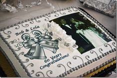 What a great idea for a picture cake for a 60th wedding anniversary. I'll have to remember this one.