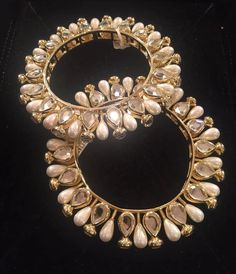 Isharya's bangles perfect for a sangeet Jewellery Uk, India Jewelry, Temple Jewellery, Fashion Jewelry, Bridal Jewelry Sets, Wedding Jewelry, Diamond Jewelry, Silver Jewelry, Silver Rings
