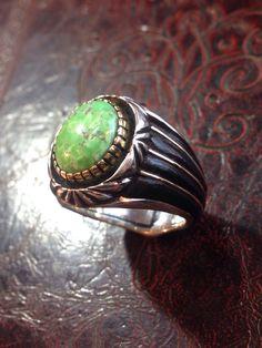 キャリコレイク インレイリング Carico lake Inlay Ring お客様のオーダーリング ハイドームのキャリコレイク使用 覆輪に18金 サイド部分に黒檀と18金をインレイして仕上げています。  #turquoise #ターコイズ #ジュエリー#turquoisejewelry  #jewelry #gem #宝石 #silverjewelry #シルバー #インディアンジュエリー  #オーダーメイド #ハンドメイド  #ファッション #fashion #mens #メンズ #アメカジ #ring #リング #指輪 #キャリコレイク  #caricolake