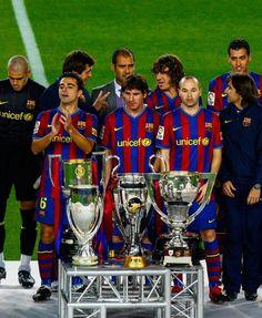 Fc Barcelona, Xavi Hernandez, Pep Guardiola, Football Players, Messi, Fifa, Baseball Cards, Sports, Club