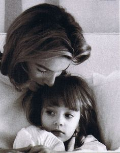 Lee and her daughter TIna.