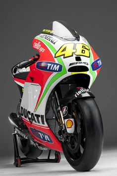 DUCATI DESMO GP12 2012 !!