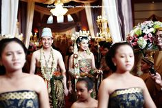 "Boyke and Ike's Javanese Party ""Basahan or Dodotan"""