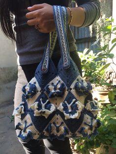 Crochet bag Price 50 $ Mail. Kunlayanee2526@yahoo.co.th