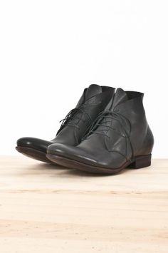 s28 calf leather lace-up ankle boot — re. porter