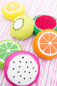 DIY: fruit slice pillows