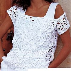 Crochetemoda: Blusa Branca de Crochet, beginner, with chart. Directions are in English. Pull Crochet, Gilet Crochet, Mode Crochet, Crochet Blouse, Crochet Motif, Crochet Lace, Crochet Patterns, Crochet Squares, Irish Crochet