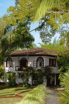 Spanish style homes - Fachada casa Hacienda Hotel San Jose Spanish Style Homes, Spanish House, Spanish Colonial, Spanish Bungalow, Spanish Revival Home, British Colonial, Architecture Classique, Hacienda Homes, Spanish Architecture
