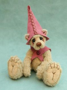 Created by Jane Mogford of Pipkins Bears Teedy Bear, Bear Hugs, My Teddy Bear, Cute Teddy Bears, Bear Art, Teddy Bear Design, Tiny Teddies, Love Bears All Things, Animal Sewing Patterns