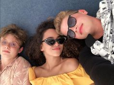 Round Sunglasses, Sunglasses Women, Tv, Mary, Celebrity, Fashion, Moda, Round Frame Sunglasses, Fashion Styles