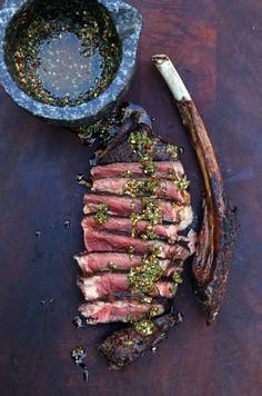 I reverse seared this beautiful tomahawk steak! [3408x5154]