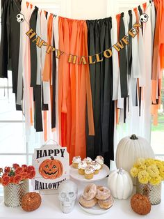 Adult Halloween Party, Halloween Birthday, Outdoor Halloween, Halloween Party Decor, Halloween Themes, Hallowen Party, Halloween Costumes, Plastic Tablecloth Backdrop, Streamer Backdrop