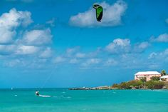 The winter in Bermuda, if you can call it that, has some of the best kitesurfing conditions and locations anywhere in the world. . . . #winter #travel #traveling #socialenvy  #vacation #visiting #instatravel #instago #instagood #trip #holiday #photooftheday #fun #travelling #tourism #tourist #instapassport #instatraveling #mytravelgram #travelgram #travelingram #igtravel  #ForeverBermuda#GoToBermuda#Bernews#kitesurfing #Paradise #photography by (jmandersonbm) traveling #vacation #visiting…