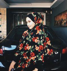 """3,899 Likes, 20 Comments - Mynn ✨ (@yasminazhar) on Instagram: """"Big big big love for @iamadior skirt ! Siapa siapa nak cari skirt kembang ? Cuba tgok ig @iamadior…"""""""