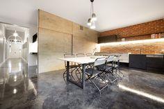 Gallery of Monolith House / Rara Architecture - 3