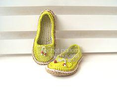 Crochet shoes pattern - crochet women shoes, step-by-step tutorial, crochet espadrilles pattern, crochet shoes with rope soles