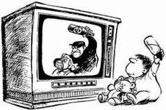 Perjuicios. - Contenido no adecuado para determinado tipo de audiencia como de tipo sexual, violento, inmoral; etc. - La television le roba tiempo al destinado  tradicionalmente para efectuar las Socialización - Puede causar desintereses por otros medios de comunicación como los diarios. - Contiene mucha publicidad engañosa la cual puede afectar a los jóvenes y gran variedad de niños.  -Desmotiva la actividad física y los juegos al aire libre.