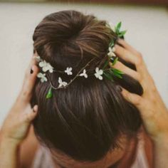 This fragile garland of fresh flowers for your hair. | 31 Daintiest Dainty Things That Ever Happened