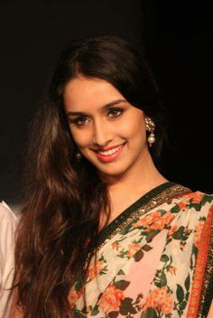watch Shraddha kapoor Rare and unseen pics