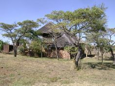 A Beautiful Self Catering Stone Cottage refuge on 26 hectares in The Cullinan District and the Brandbach Range, north-east of Pretoria and from Cullinan. Pet Friendly Accommodation, Holi, The Secret, Bucket, African, Check, Travel, Beautiful, Viajes