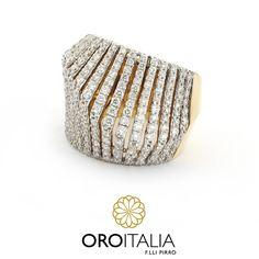 Anillo de diamantes en oro amarillo.  Para precios llámanos al 302-0269 (Costa del Este) ref. 211634.   #oroitalia #joyería #oro #gold #joyeríaspanamá #jewelry #panama #diamonds #diamantes #anillodiamantes #diamondring