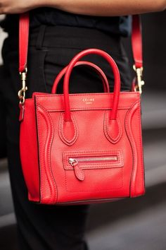 Céline bag (shoes to match!) –more street-spotted accessories after the jump!