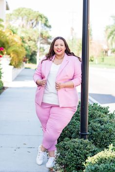 Look Of Pink Plus Size Suit – Estrella Fashion Report Pink Suit, Red Suit, Fall Looks, Summer Looks, Plus Size Womens Clothing, Plus Size Fashion, Suits And Sneakers, Plus Size Suits, Plus Size Summer