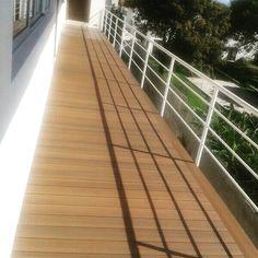 Balcón listo para esas tardes calidas de Guadalajara. Perfil: UH02 Color:Ipe  #balcón #Deck #Latinoamérica #NewTechWood #Naturale #UltraShield #Pisos #Exteriores #Sustentable #Garantía25años #Terraza #CeroMantenimiento #MaterialReciclado #Green #Outdoor #25yearswaranty #Ecológico #Arquitectura #Home #estilodevida