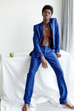 Black Male Models, Male Models Poses, Male Poses, Men Models, Fashion Poses, Suit Fashion, High Fashion, Photography Poses For Men, Men Fashion Photography
