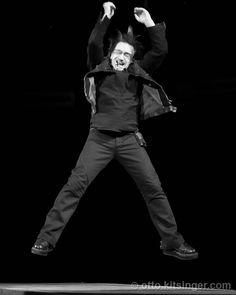 Bono in motion.the way God intended 🙌❤💖💯 U2 Vertigo, Bloodshot Eyes, Paul Hewson, Bono U2, Human Rights Activists, U 2, Nobel Peace Prize, Soundtrack To My Life, Living Legends