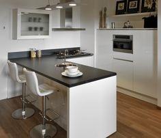 Showroom keukens: Häcker stratos hoogglans wit