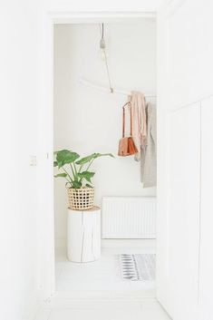 white ● minimalism ● inspiration ● pinned by Summer House Interiors, Pantry Laundry Room, Ideas Hogar, Wooden Stools, Home Interior, Interiores Design, Sweet Home, Curtains, Instagram Posts
