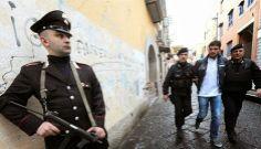 La Mafia  e`anche in tua citta       *       Die Mafia ist auch in deiner Stadt  : Russo-Clan - Siebzehn Verhaftungen in Neapel