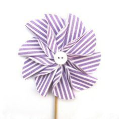 How to Make a Fabric Pinwheel Flower.
