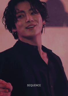 Animated gif discovered by 𝓱𝓸𝓾𝓼𝓮 𝓸𝓯 𝓬𝓪𝓻𝓭𝓼. Find images and videos about gif, bts and jungkook on We Heart It - the app to get lost in what you love. Foto Jungkook, Bts Taehyung, Foto Bts, Jungkook Cute, Bts Bangtan Boy, Namjoon, Jeon Jungkook Hot, Jung Kook, Taekook