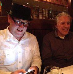 Robert Duncan McNeill and Robert Beltran Robert Beltran, Robert Duncan, Cast Images, Star Trek Cast, Kate Mulgrew, Love To Meet, Big Hugs, Actors & Actresses, Captain Hat
