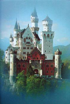 Le château de Neuschwanstein-This looks like a fairy tale castle. Beautiful Castles, Beautiful Buildings, Beautiful Places, Chateau Medieval, Medieval Castle, Places Around The World, Around The Worlds, Linderhof, Places To Travel