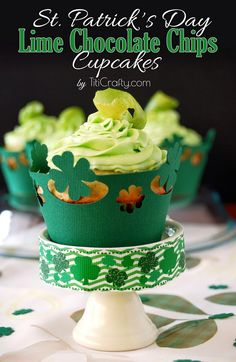 St. Patrick's Day Lime White Chocolate Chips Cupcakes + Freebie | Titicrafty by Camila