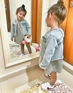 Adorable little girl shoes ideas to make them look trendy 34 Little Girl Shoes, Little Girl Fashion, Cute Little Girls, Kids Fashion, Girls Shoes, Trendy Fashion, Cute Baby Girl Outfits, Toddler Girl Outfits, Cute Baby Clothes