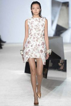 Sfilata Giambattista Valli Paris -  Alta Moda Primavera Estate 2014 - Vogue