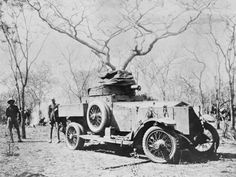 British armoured car in German East Africa. World War One, Car In The World, First World, Army Vehicles, Armored Vehicles, Armored Car, German East Africa, Armoured Personnel Carrier, British Armed Forces