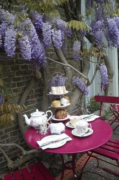 England Travel Inspiration - 21 Absolutely Charming Tea Rooms You Have To Visit Before You Die