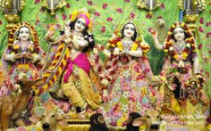 To view Radha Gopinath Wallpaper of ISKCON Chowpatty in difference sizes visit - http://harekrishnawallpapers.com/sri-sri-radha-gopinath-lalita-vishakha-wallpaper-029/