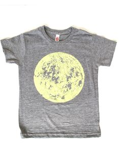 Glow in the dark moon shirt - I reckon I could make this. Glow in the dark fabric paint and a big circle! Peasy!